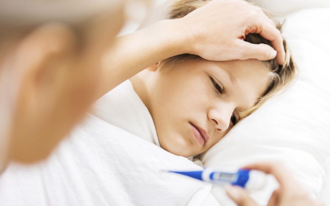 Il tuo bambino ha la febbre. Potrebbe essere colpa dei denti?