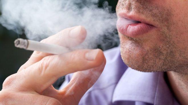 Il fumo riduce l'infiammazione alle gengive? E se fosse vero?